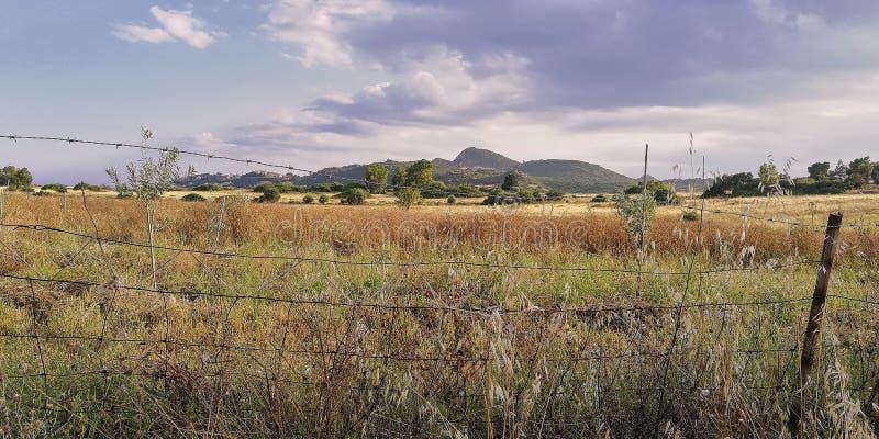 与形象的颜色的一个农村风景 库存图片