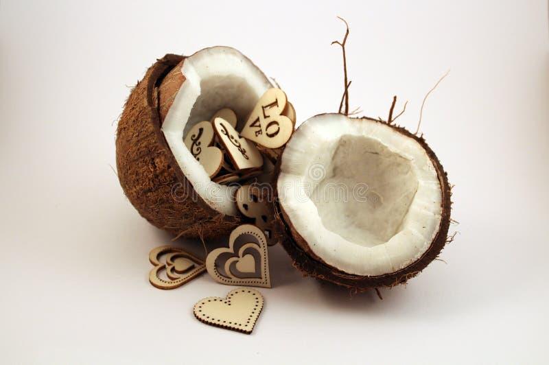 与心脏的椰子 免版税库存图片