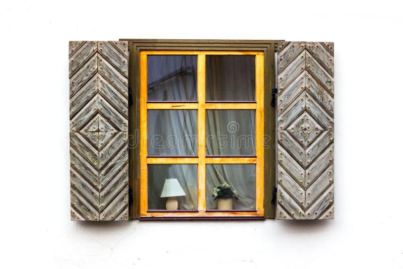 与快门的窗口打开 免版税库存图片