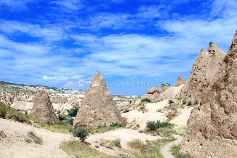 与意想不到的岩石的美好的风景,卡帕多细亚,土耳其 库存照片