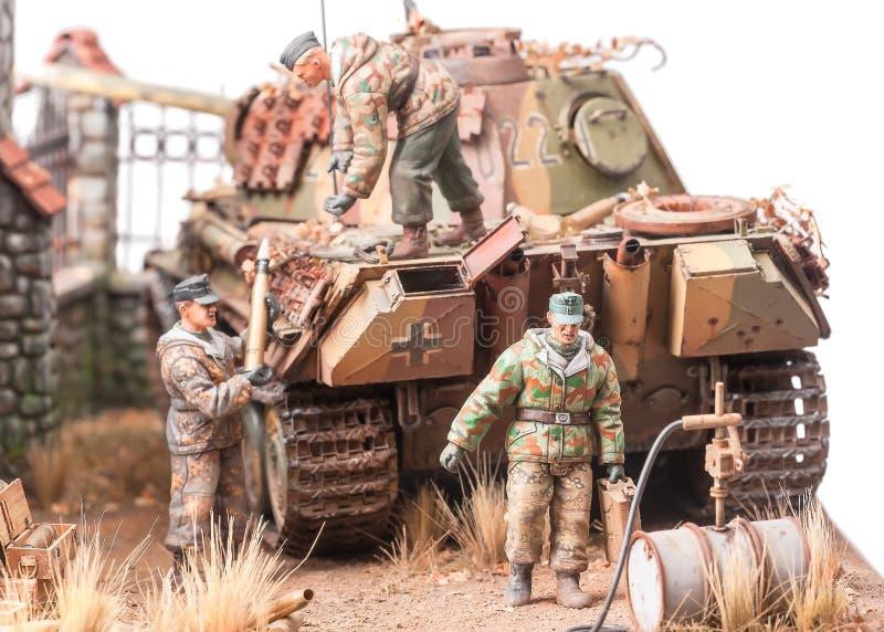 与战士andgerman坦克的缩样 免版税图库摄影