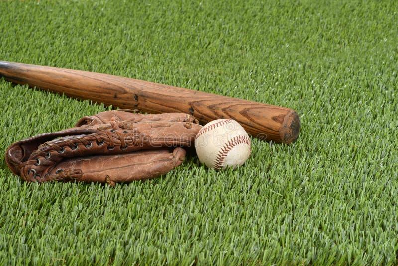 与手套和棒的棒球 免版税库存图片