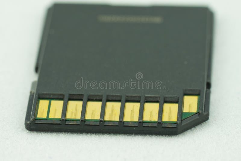 与抓痕联络的老sd存储卡 库存照片