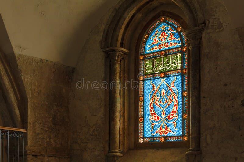 与抽象样式的污迹玻璃窗 库存照片