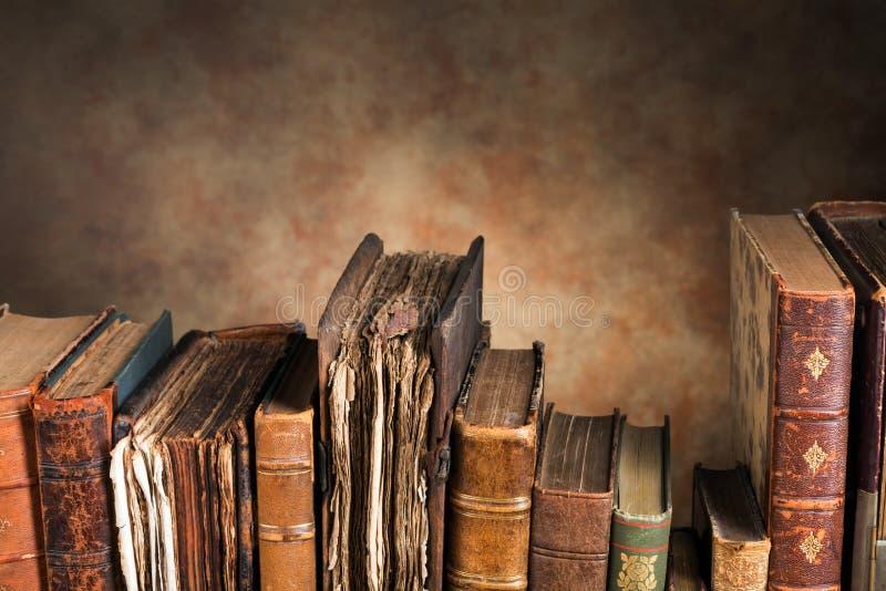 与拷贝空间的旧书 免版税库存照片