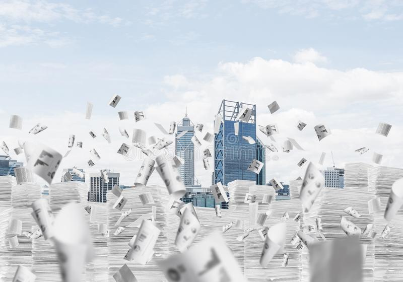 与摩天大楼的现代城市视图 图库摄影