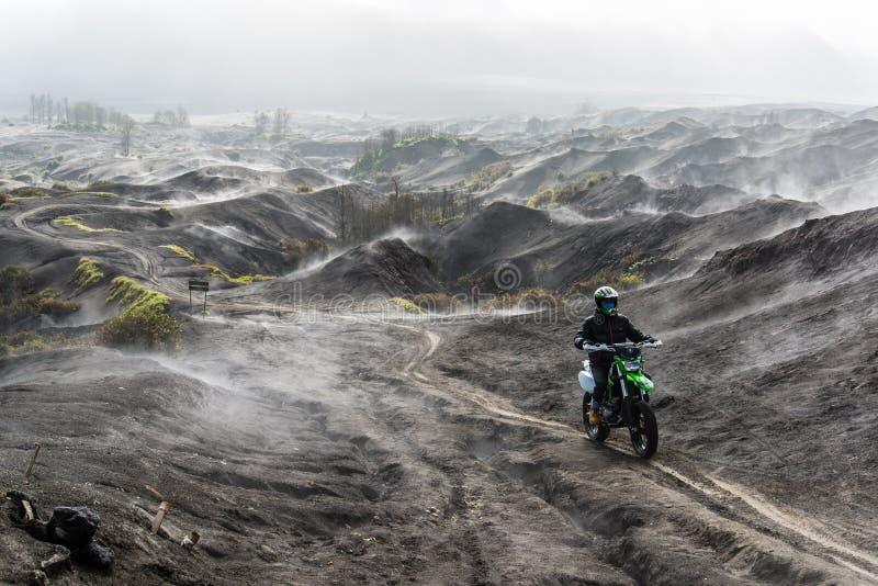 与摩托车越野赛的Bromo-up 库存照片