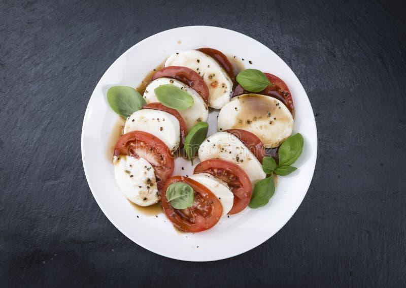 Download 与无盐干酪和Balasimco选矿的蕃茄 库存图片. 图片 包括有 地中海, 干酪, 意大利语, 舞厅, 成份 - 72373939