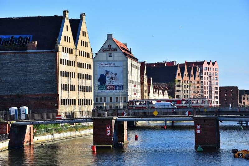 与旧港口的都市风景在Moltawa河在格但斯克,波兰 免版税库存图片