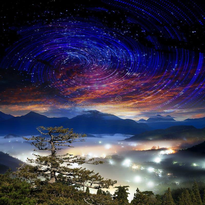 与星系的高山 库存图片