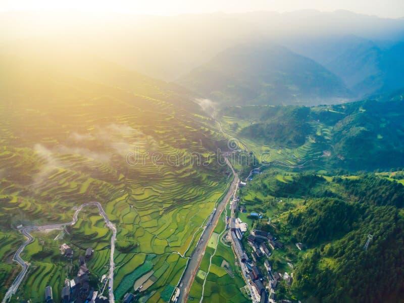 与晚上光的日落在贵州,中国 免版税库存图片