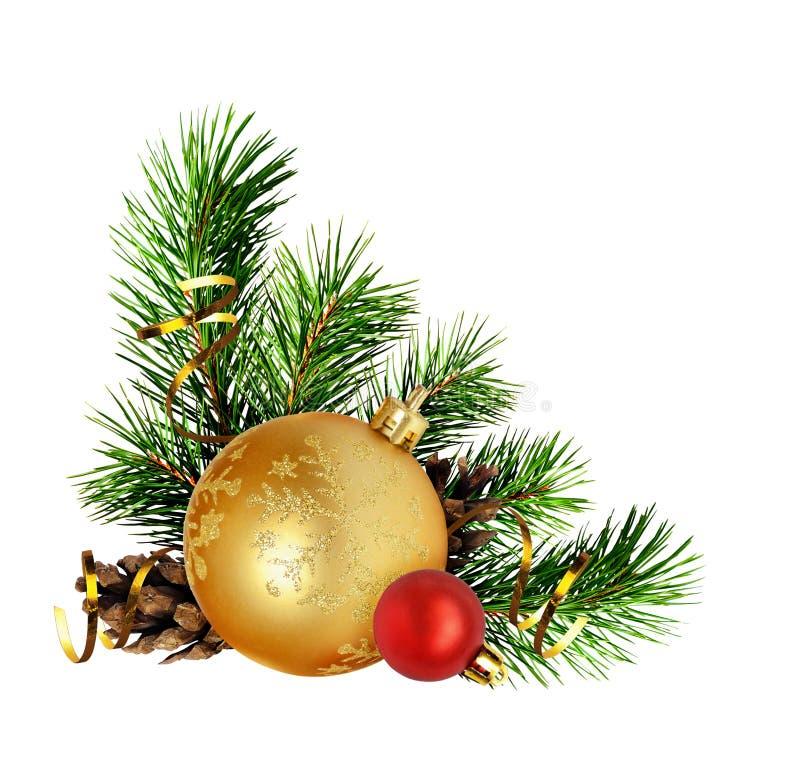 与杉木枝杈和假日decorat的圣诞节壁角构成 免版税图库摄影