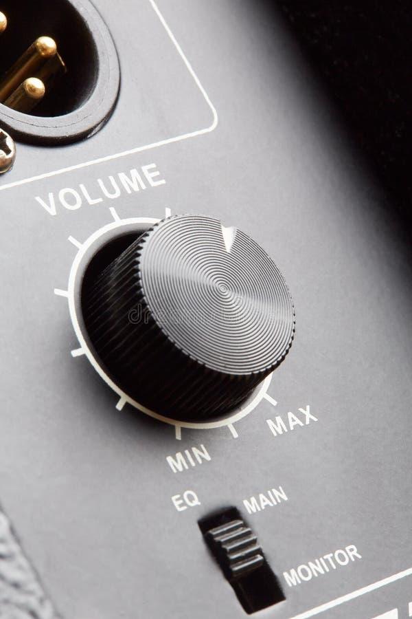 Download 音量控制 库存照片. 图片 包括有 概念, 茄子, 投反对票, 级别, 收音机, 次幂, 宏指令, 技术 - 30328806