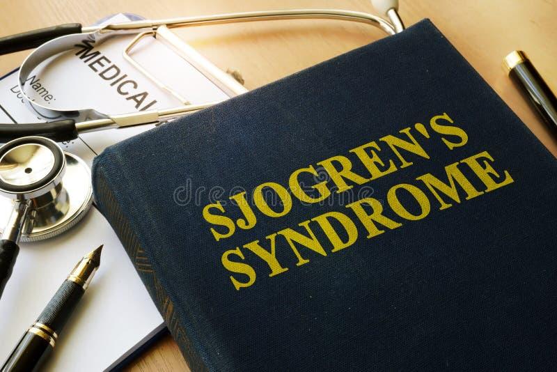 与标题Sjogren ` s综合症状的书 免版税库存照片