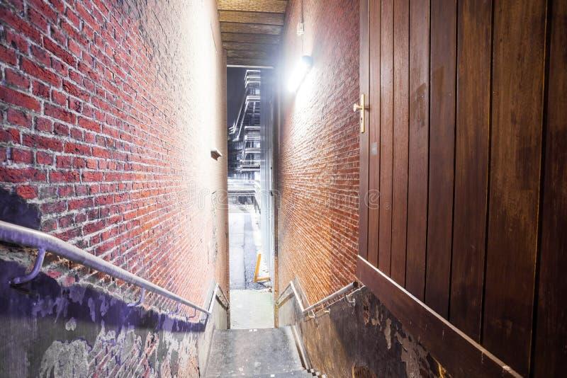 与楼梯的段落 库存图片