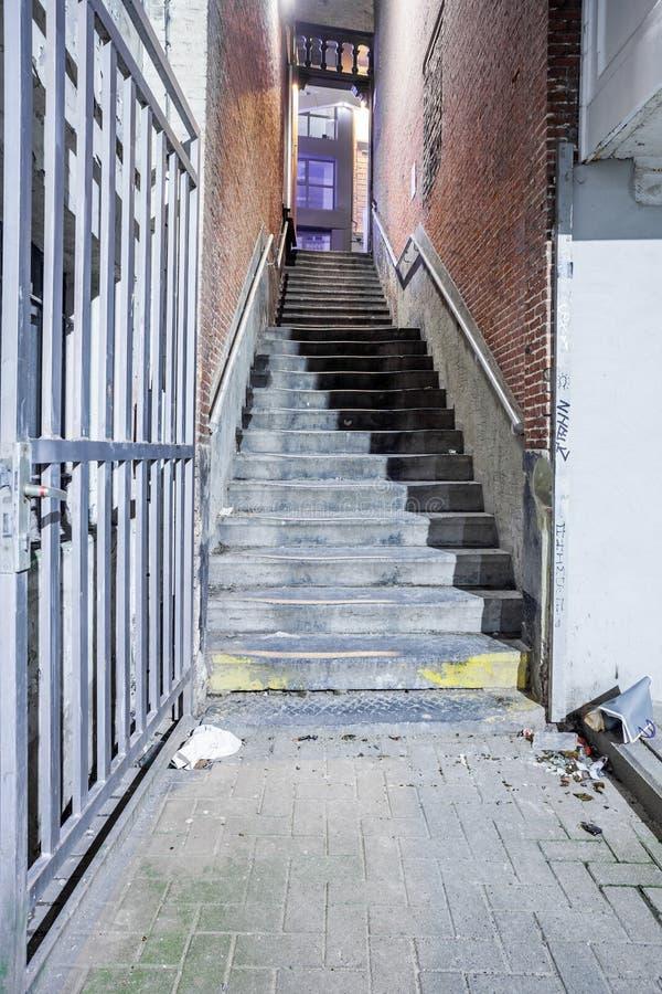 与楼梯的段落 库存照片