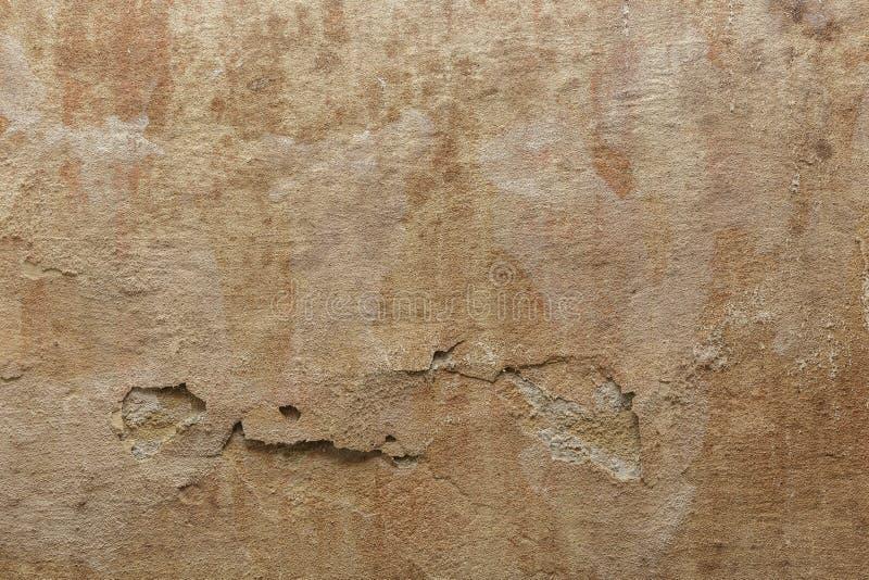 与模子,年迈的表面背景的老肮脏的难看的东西水泥混凝土墙纹理 免版税库存照片