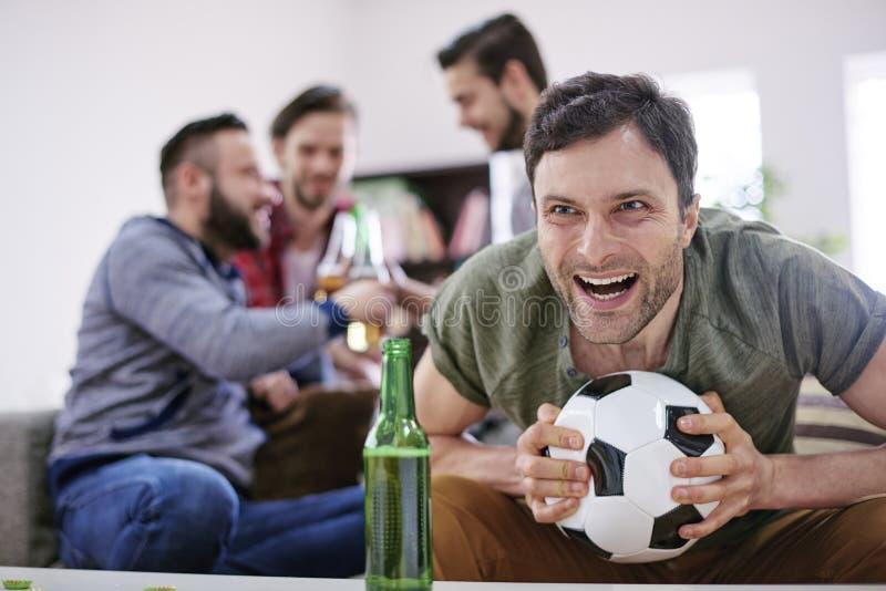 与橄榄球的Menly天 免版税库存照片