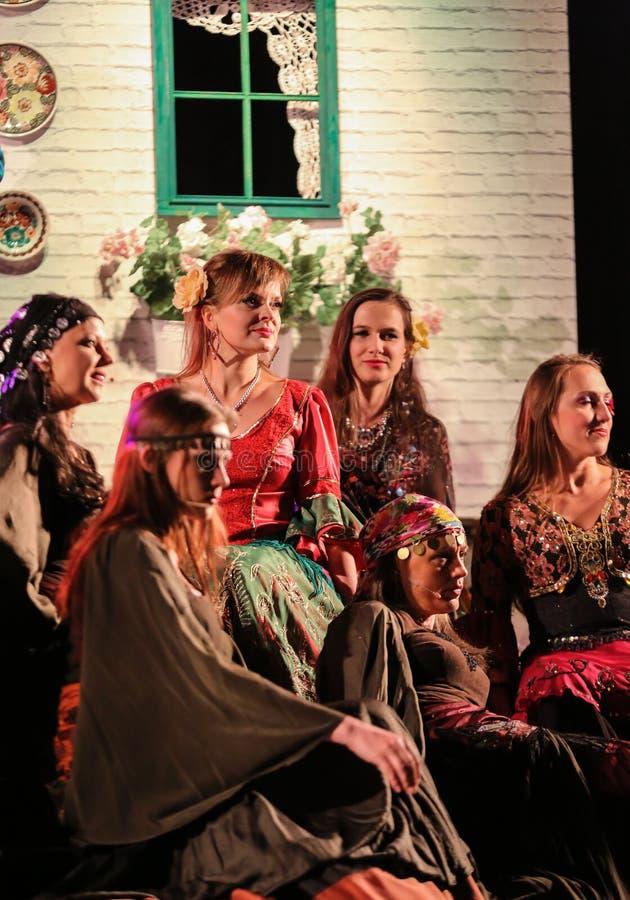Download 与歌剧的假日会议在Hucul小马Gladyszow育马场在Regietow 波兰 图库摄影片 - 图片 包括有 华丽的, 有吸引力的: 62535812