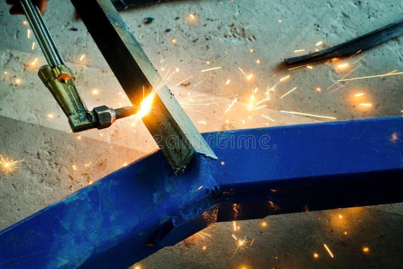 与气体火炬的切口钢 库存图片