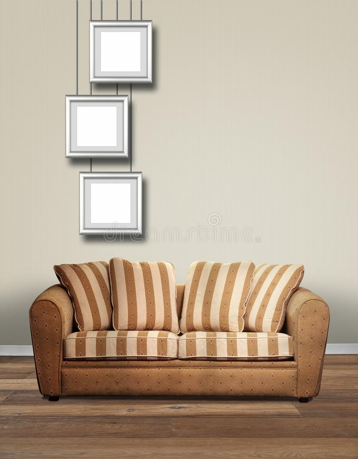 与沙发和三垂悬的alu框架的现代内部 库存图片