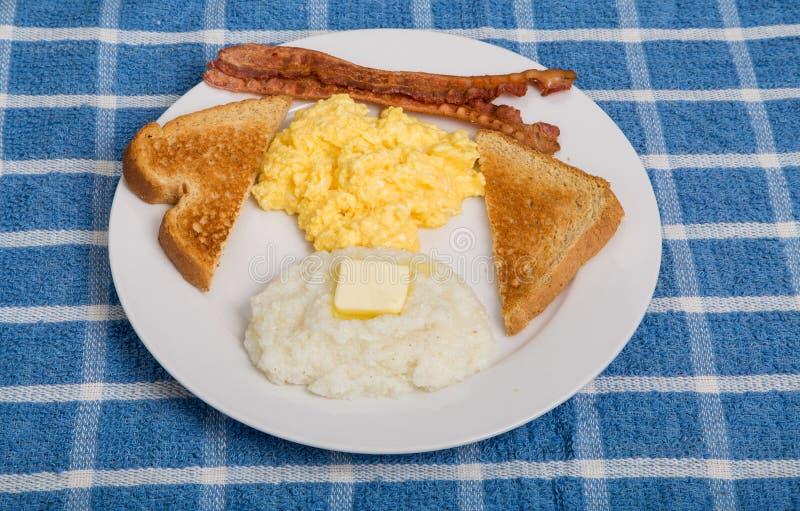与沙粒的传统早餐 库存照片