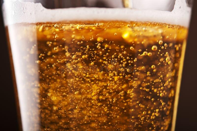 与泡影的啤酒 图库摄影