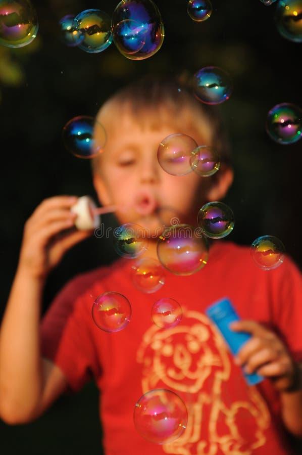 与泡泡糖的乐趣 库存图片
