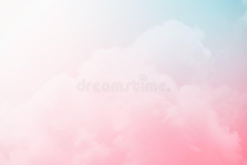 与淡色梯度,抽象背景的幻想多云天空 库存照片