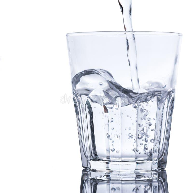 与淡水的玻璃 库存照片