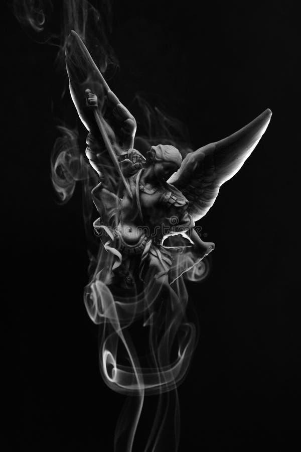 与烟的天使 库存照片