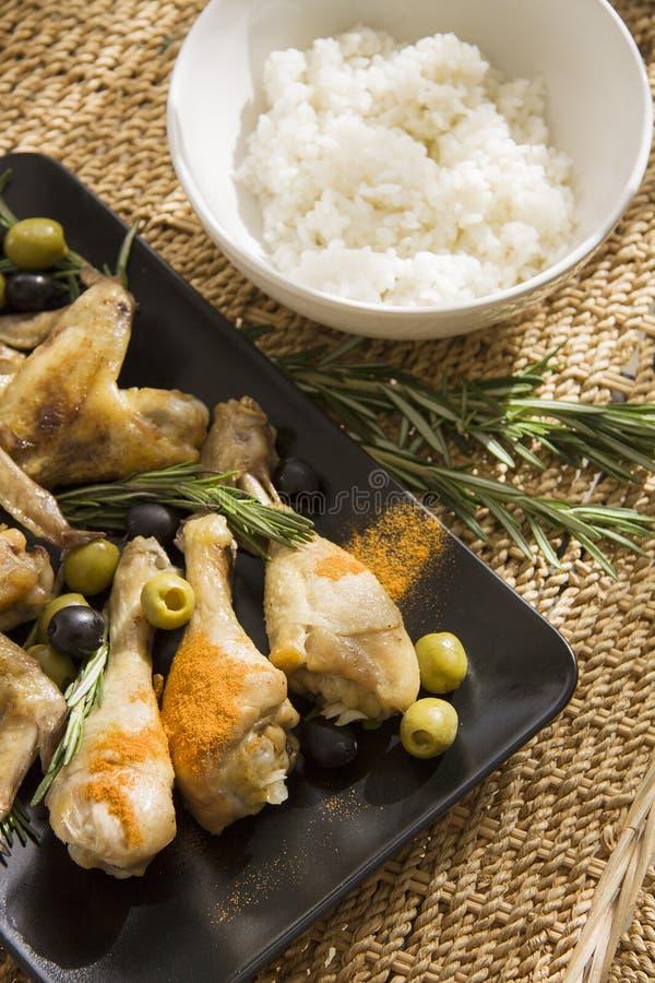 与煮沸的饭碗的鸡希腊语 免版税图库摄影