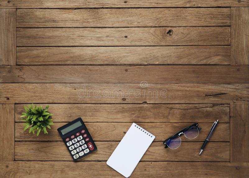 与片剂的事务桌 免版税库存图片