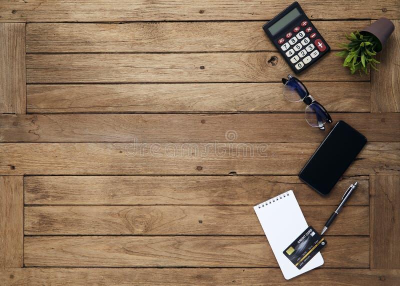 与片剂的事务桌 免版税图库摄影
