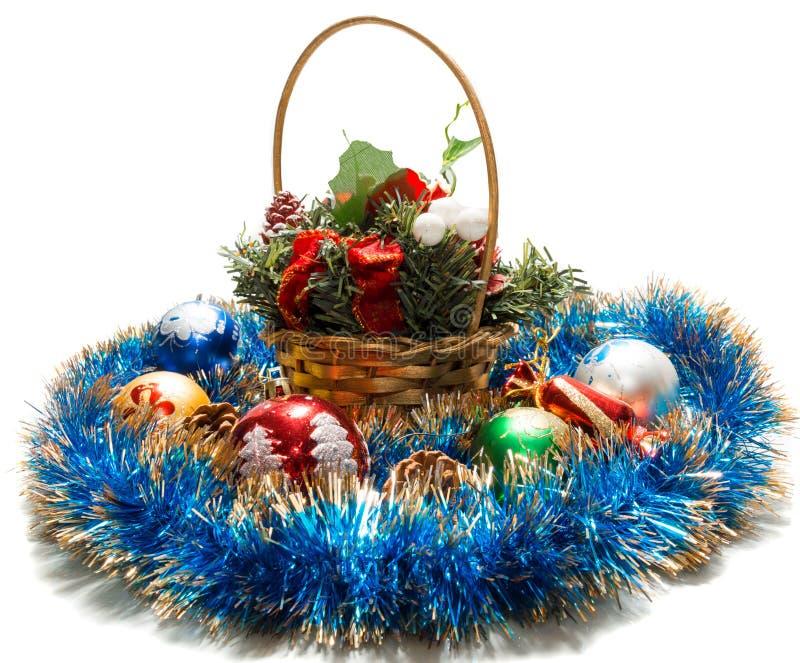Download 与玩具的篮子 库存照片. 图片 包括有 购物, 锥体, 节假日, brander, 糖果, 闪亮金属片, 礼品 - 62536110