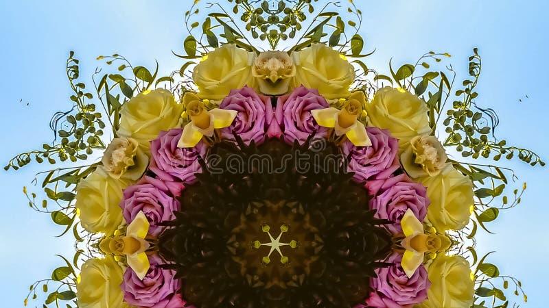与玫瑰和绿色叶子的全景花卉设计 免版税库存图片