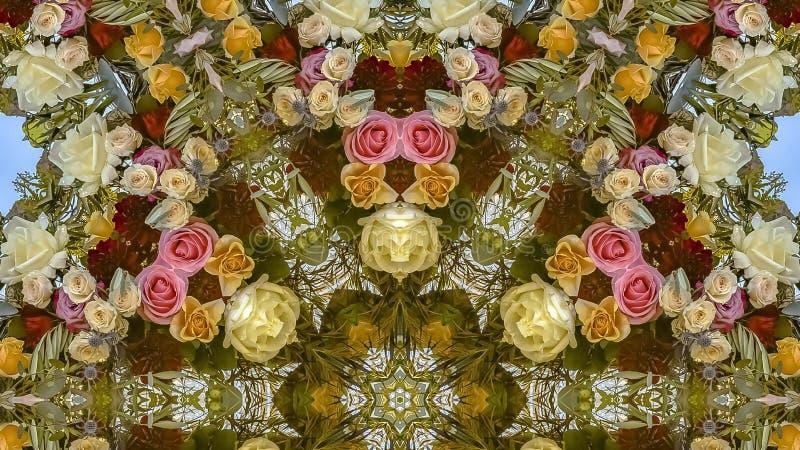 与玫瑰的全景框架花卉设计在一个婚礼在加利福尼亚 库存例证