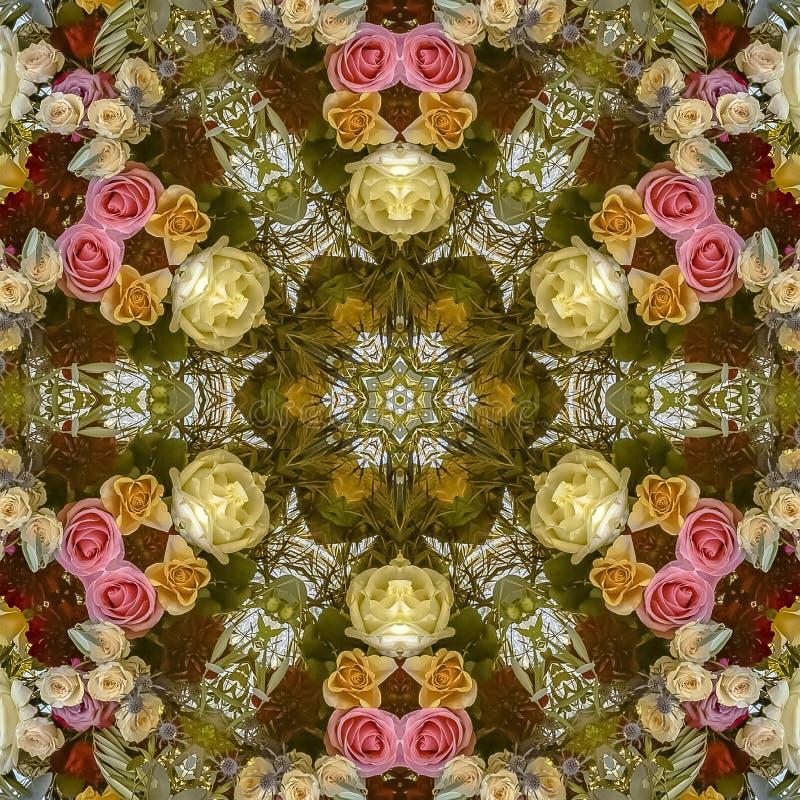 与玫瑰的正方形花卉设计在一个婚礼在加利福尼亚 库存照片