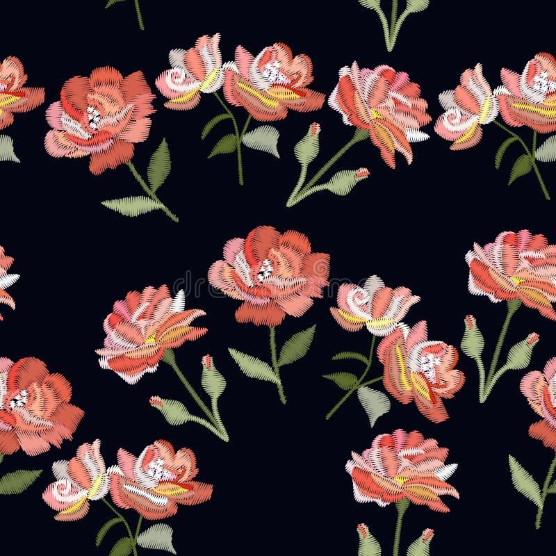 与玫瑰色花的刺绣 模式无缝的向量 在黑背景的装饰花饰 皇族释放例证