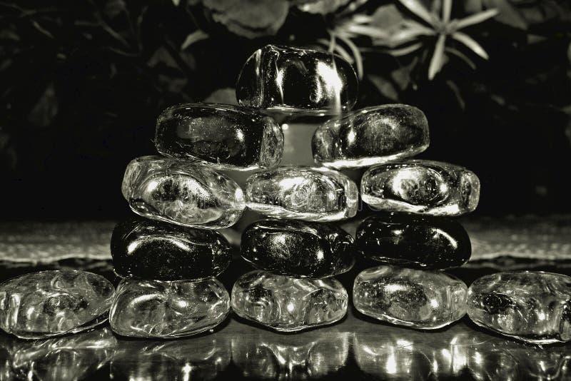 与玻璃石头的黑白蒙太奇 免版税库存照片