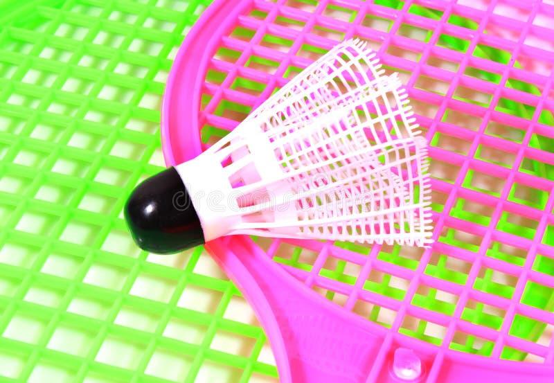 与球拍的滑稽的玩具shuttlecock球 免版税库存图片