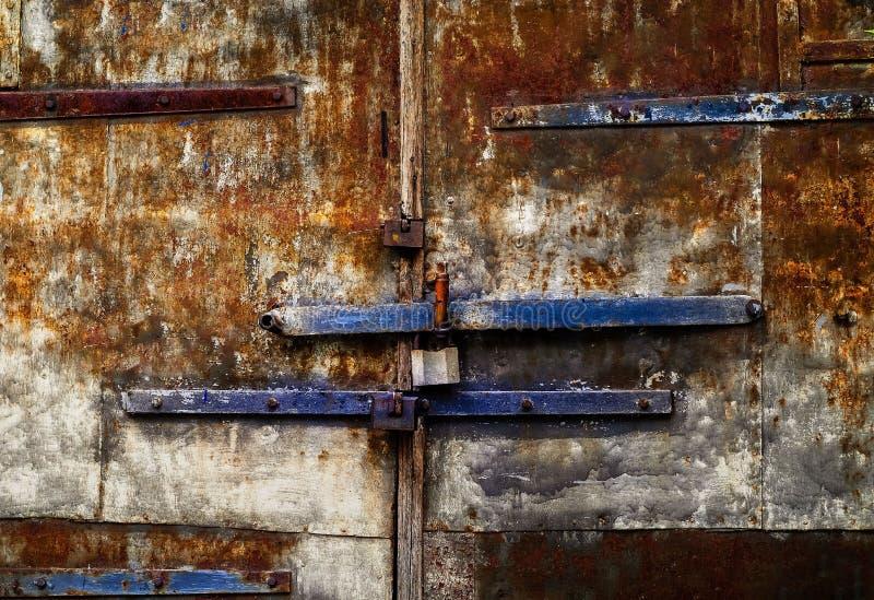 与生锈的纹理,文本的空间的年迈的铁背景 免版税图库摄影