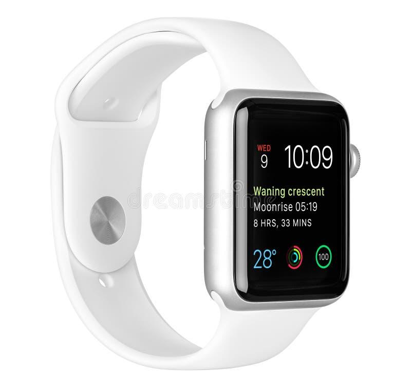 与白色体育带的苹果计算机手表体育银铝盒 免版税库存图片