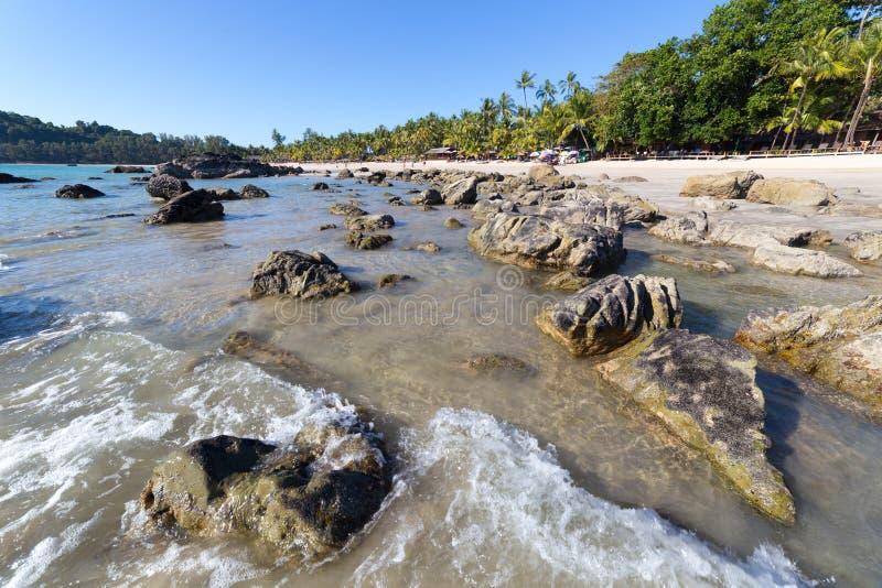 与白色沙子的Ngapali海滩,在缅甸 免版税库存图片