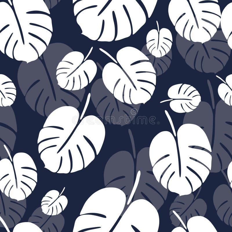 与白色monstera棕榈叶的夏天无缝的样式在蓝色背景 免版税库存图片