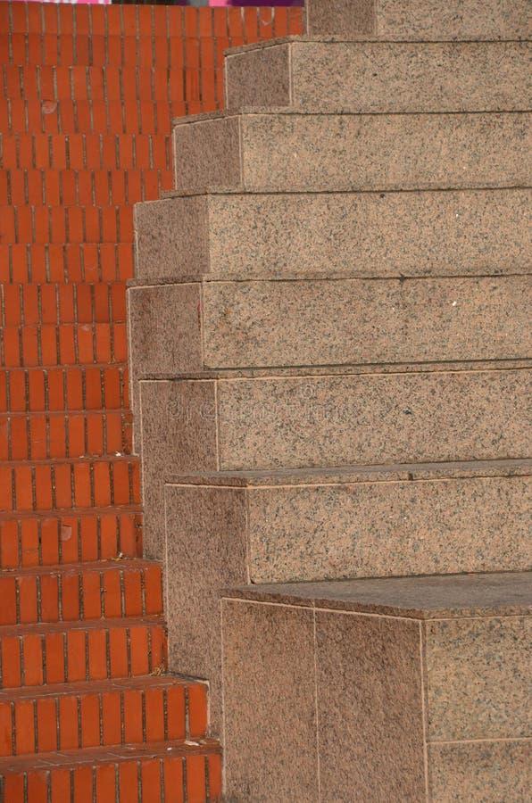 与砖的摘要和具体步鄹在波特兰,俄勒冈 库存图片