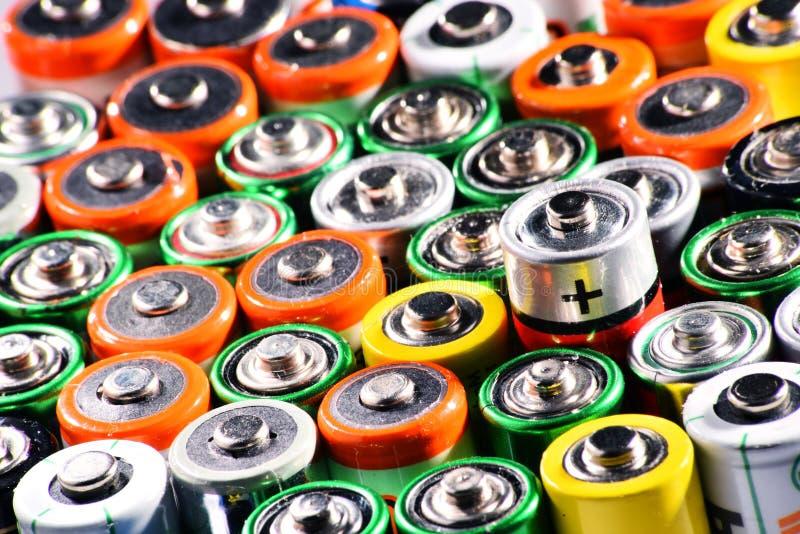 与碱性电池的构成 化学制品废物 免版税库存照片