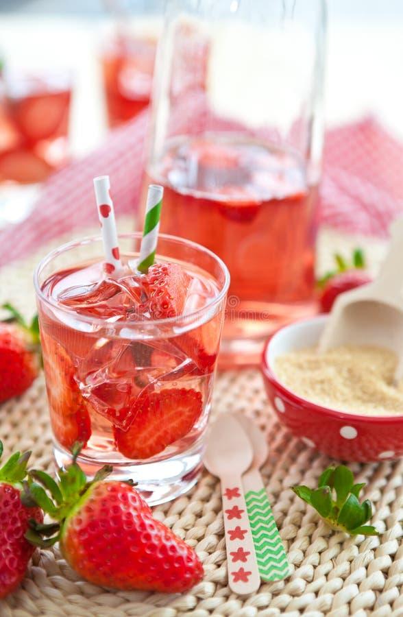 自创草莓柠檬水 图库摄影