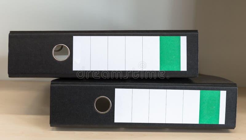 与空白的标签的文件夹 免版税库存图片