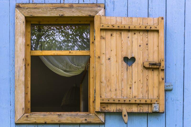 与窗帘的窗口 图库摄影